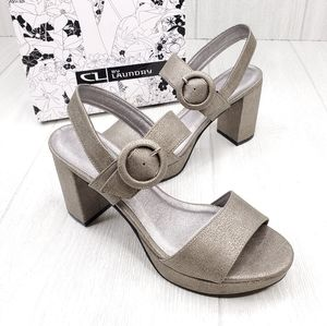 CL by Laundry Genna Pewter Platform Sandals